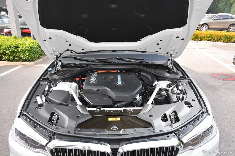 2020款宝马5系混动 530Le 2.0T自动豪华套装