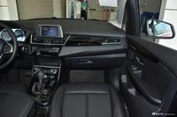 2018款宝马2系旅行车218i 1.5T自动领先型