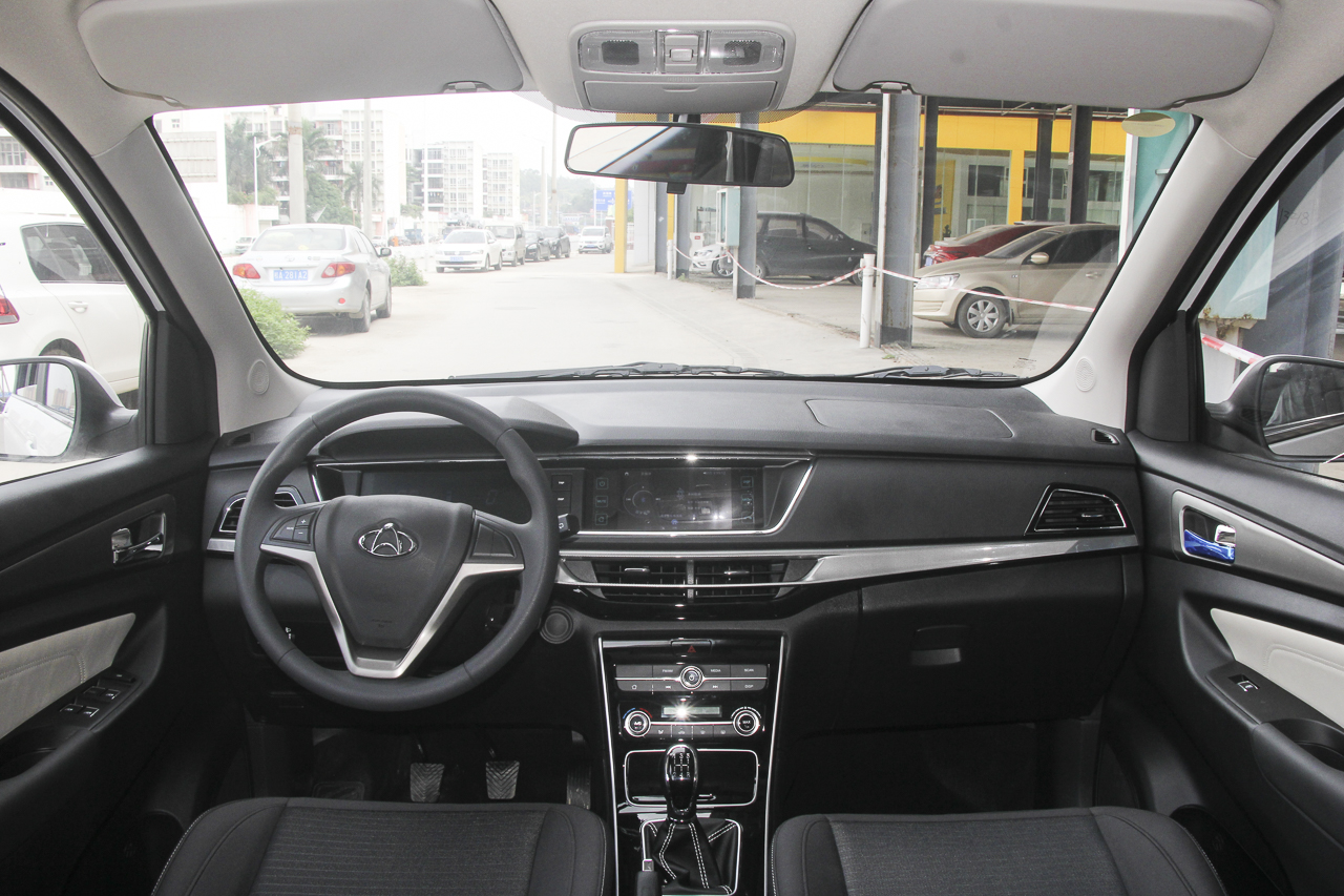2018款长安欧尚A600 1.6L手动精英型
