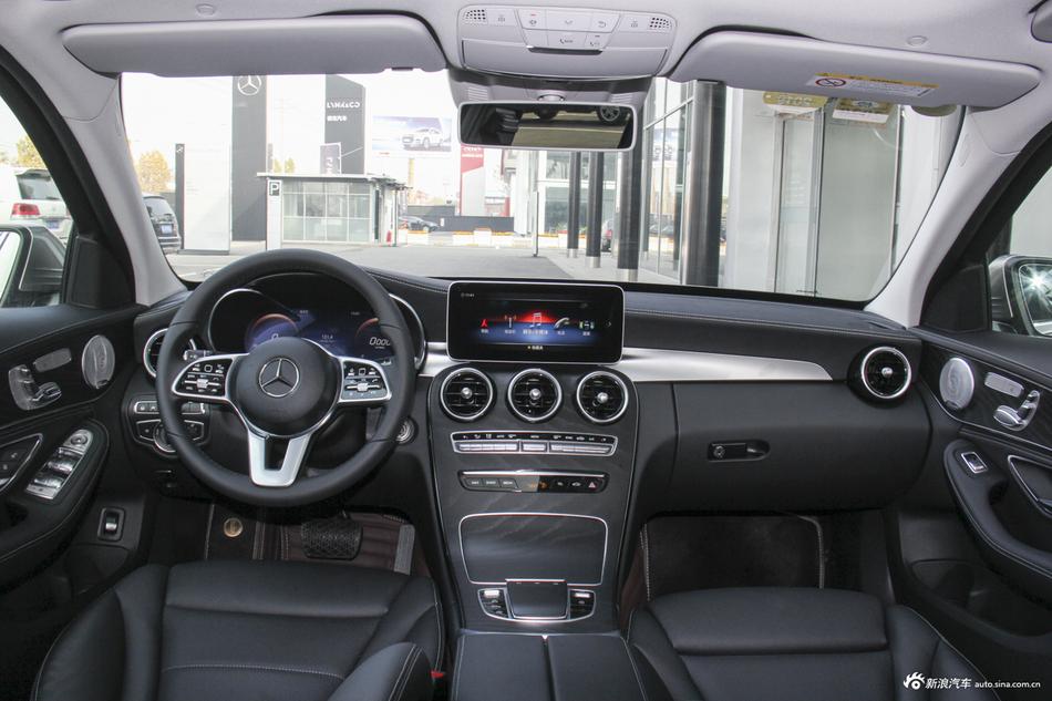 2019款奔驰C级C 260 2.0T自动运动版4MATIC