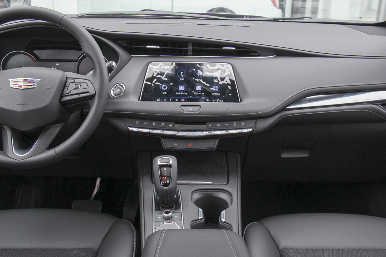 2018款XT4 2.0T自动两驱技术型28T