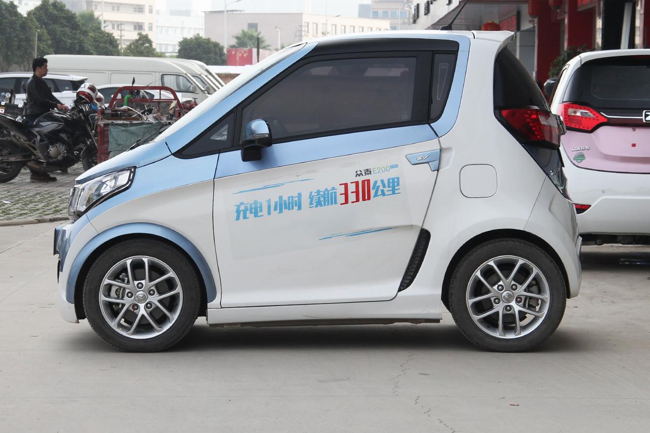 2018款众泰E200 Pro