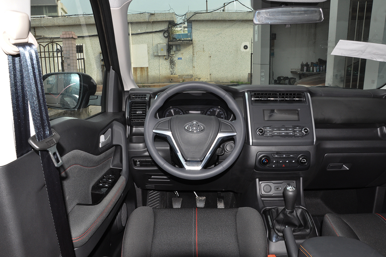 2019款长安欧尚X70A 1.5L手动标准型国VI