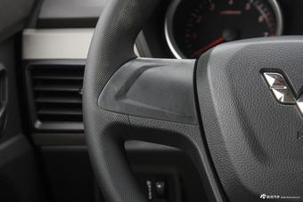 2018款五菱宏光S 1.5L手动标准型