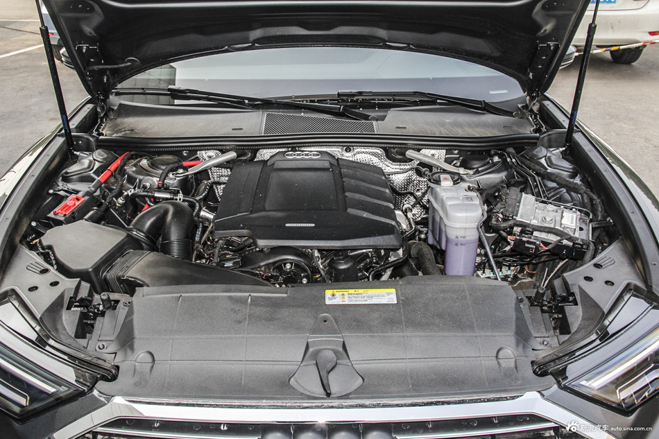 2019款奥迪A6L 2.0T自动quattro臻选致雅型