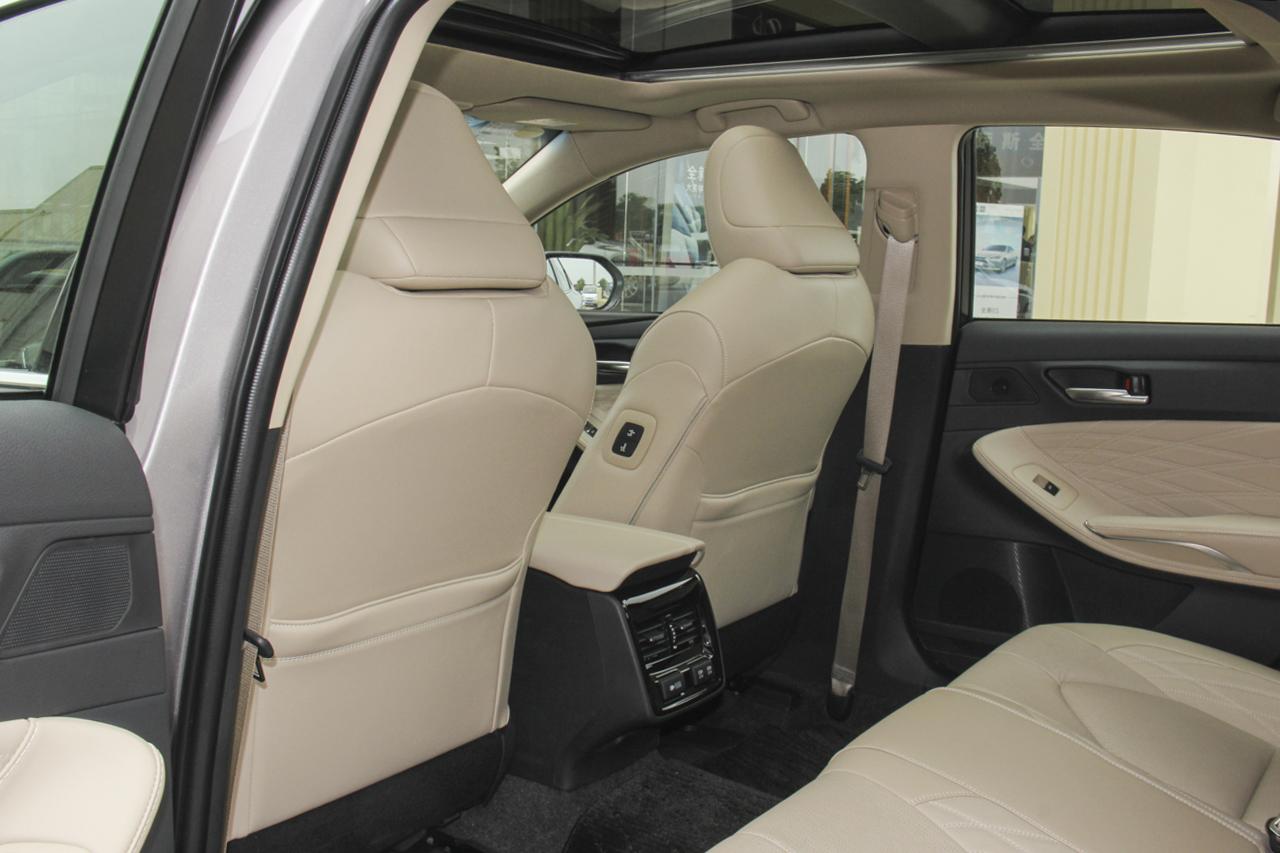 2019款亚洲龙 2.5L自动Touring尊贵版国V