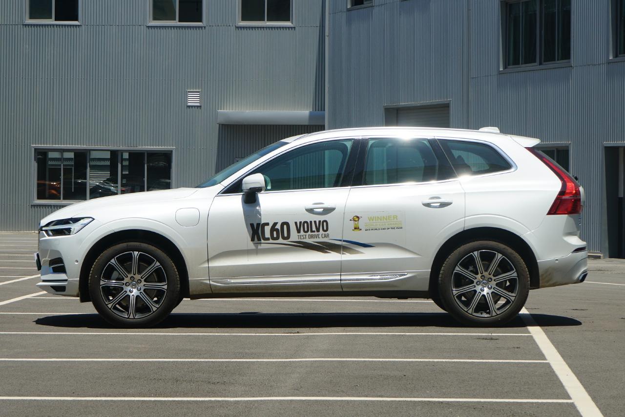 2019款沃尔沃XC60新能源2.0T自动T8 E驱混动智尊豪华版