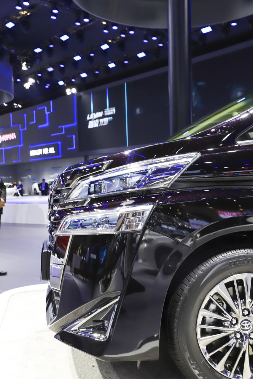 2019上海车展实拍:威尔法双擎新能源