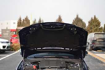 2019款捷豹XFL 2.0T自动两驱200PS精英版
