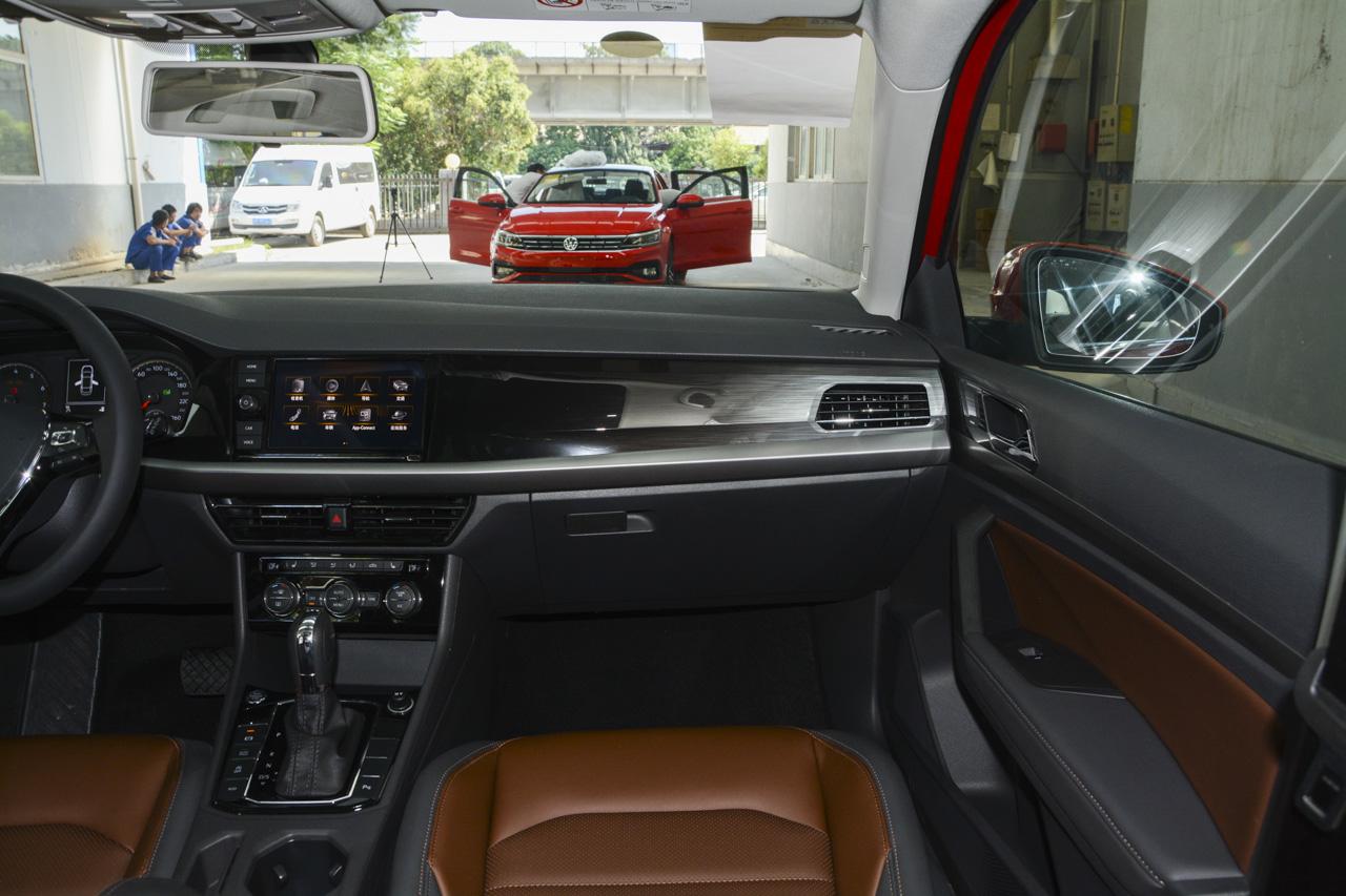2018款朗逸两厢1.4T自动豪华版280TSI DSG国V