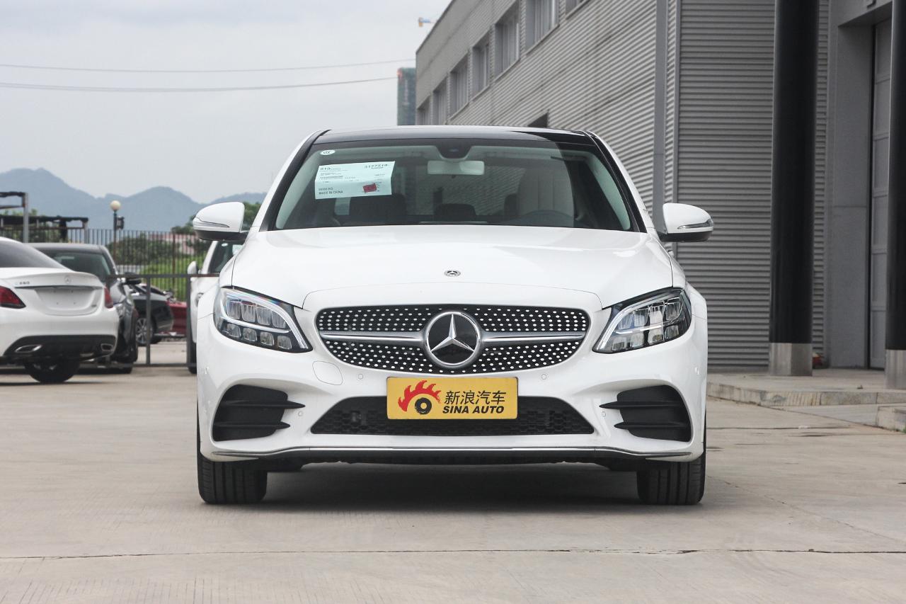 2019款奔驰C级改款C260L 2.0T自动运动版