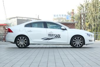 2019款沃尔沃S60L 2.0T自动T5智驭版