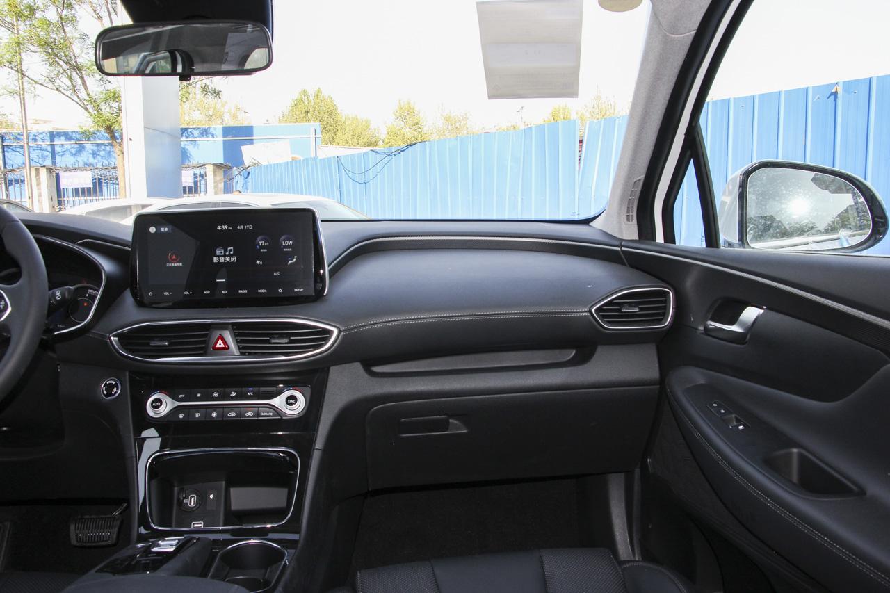 2019款胜达2.0T自动380 TGDi DLX两驱智尊版
