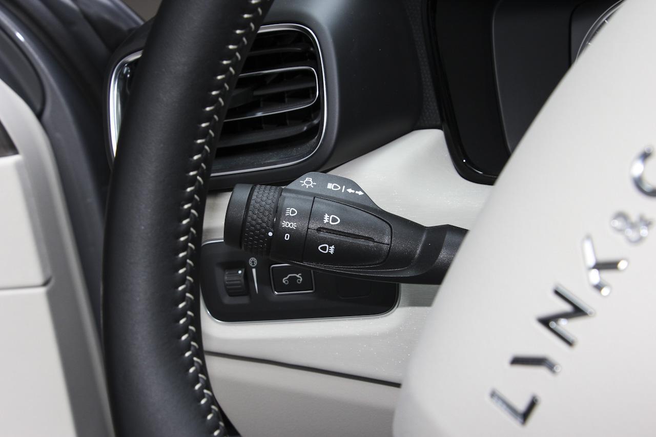 2018款领克02 1.5T自动两驱耀版国V