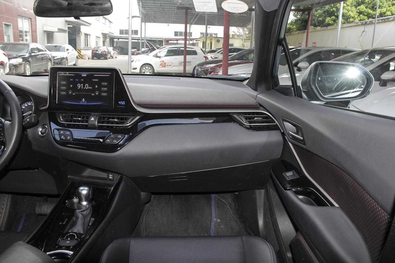 2018款C-HR 2.0L自动旗舰天窗版国V