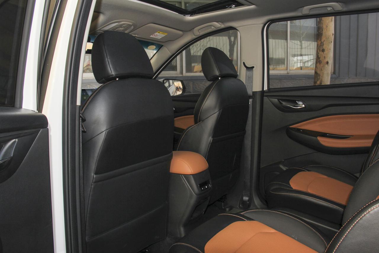 2019款五菱宏光S3自动离合版1.5L手动豪华型国V
