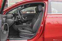 2019款奔驰A级 1.3T自动200 L运动轿车