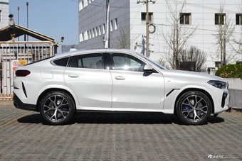 2020款宝马X6 xDrive40i尊享型M运动套装