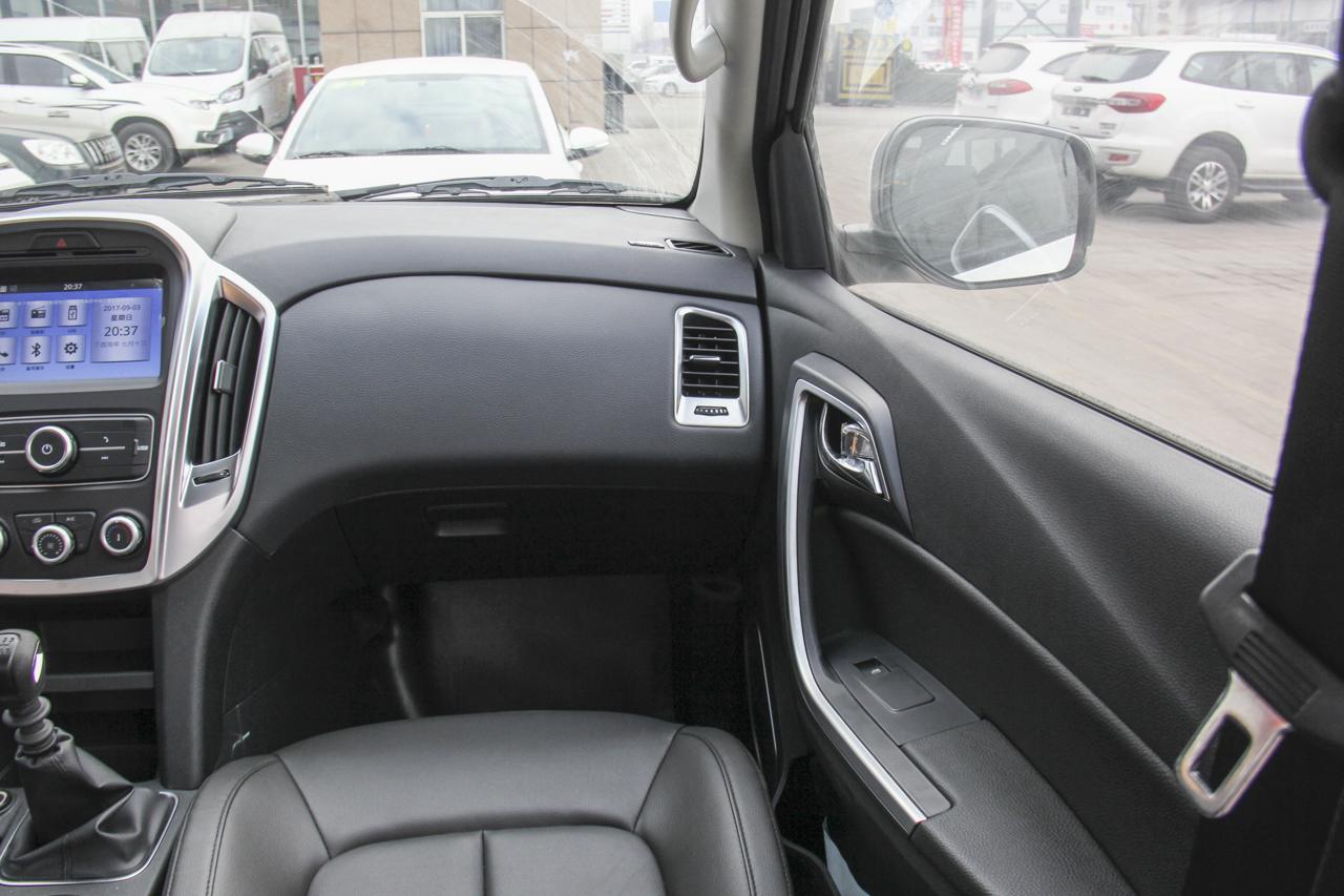 2018款域虎3 2.5T手动柴油四驱进取版标准轴距