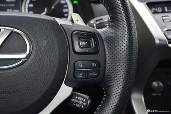2018款雷克萨斯NX300 2.0L自动全驱F SPORT
