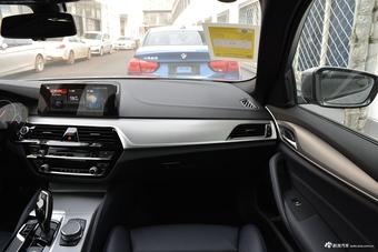 2019款宝马5系525i M 2.0T自动运动套装