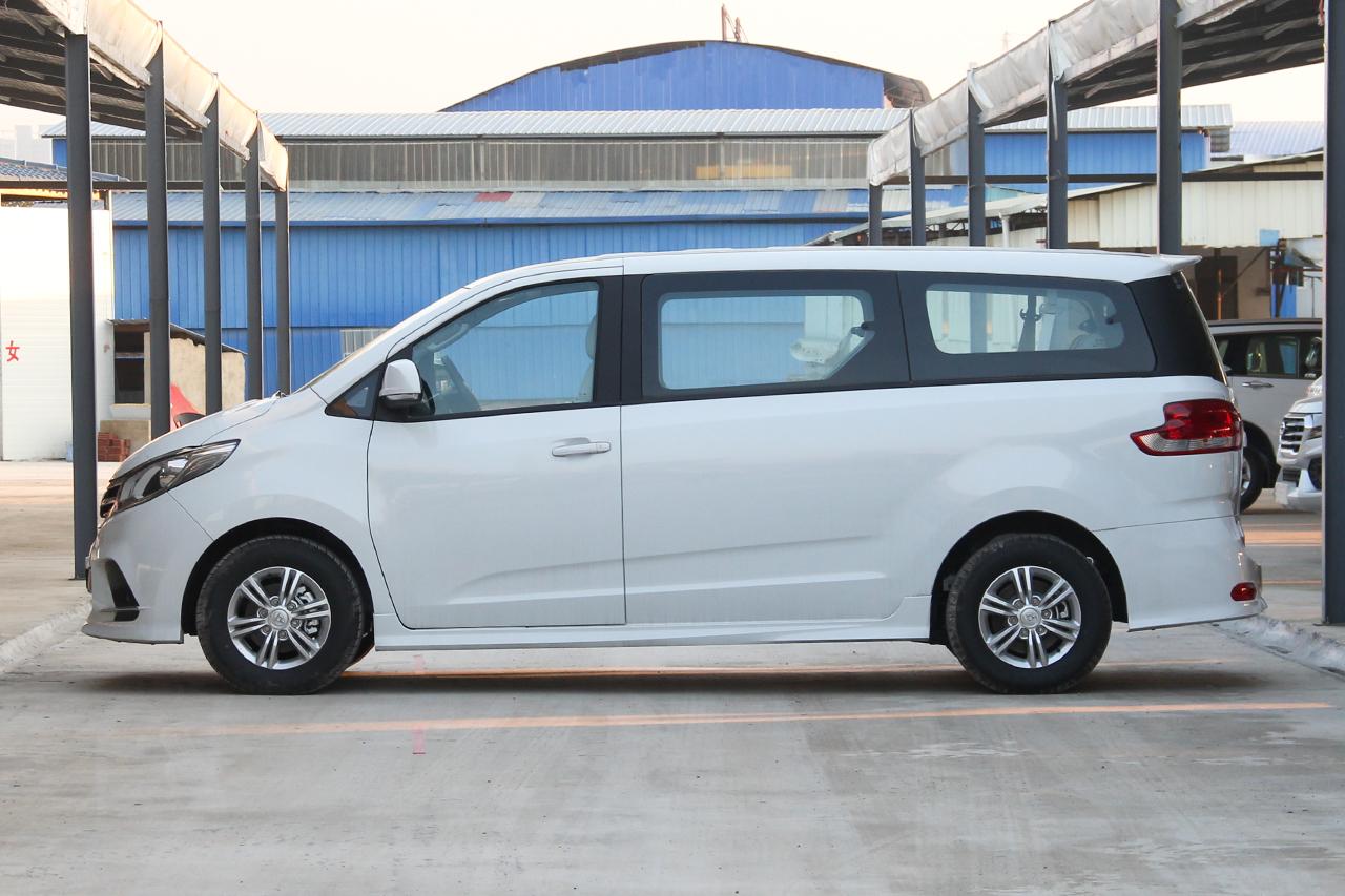 2018款上汽大通G10 PLUS 1.9T手动精英版柴油