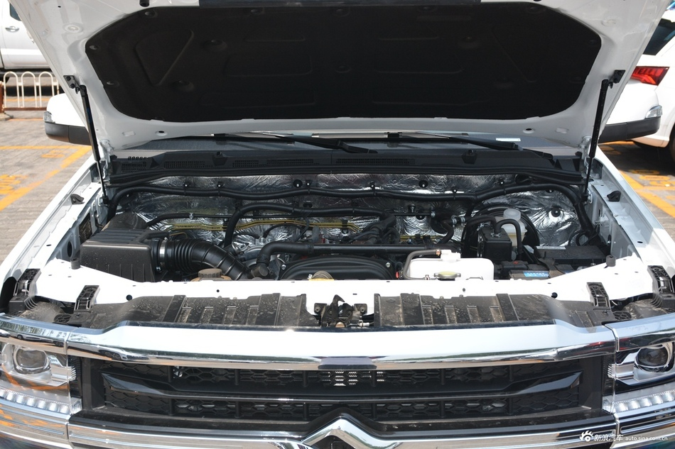 2019款黄海N7 2.4T自动两驱汽油运动版