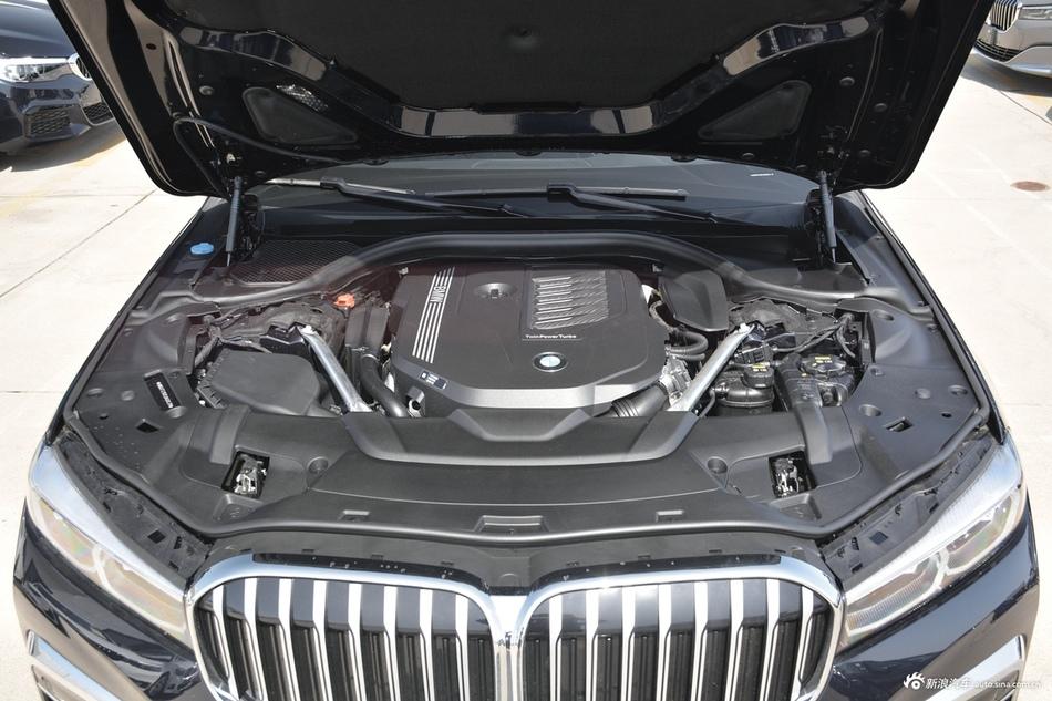 2019款宝马7系740Li 3.0T自动领先型M运动套装
