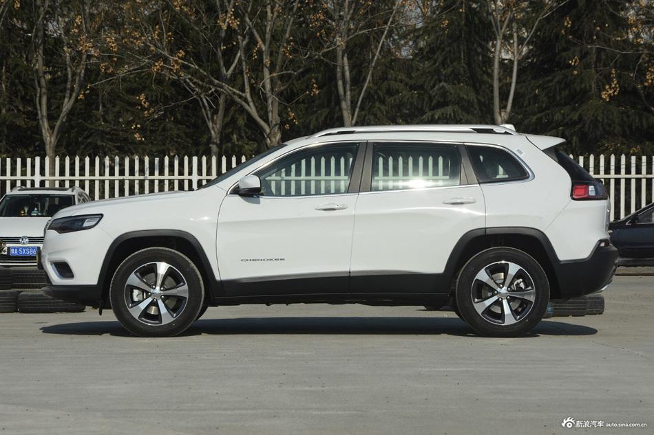 Jeep自由光好开真不是吹的,3月热销最高直降6.64万