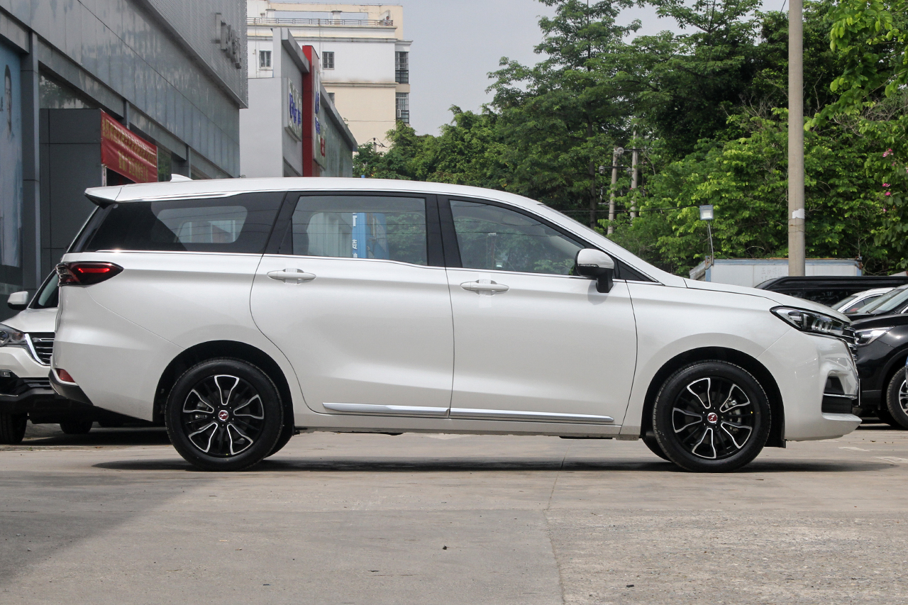 2019款汉腾V7 1.5T自动豪华型6座 国V