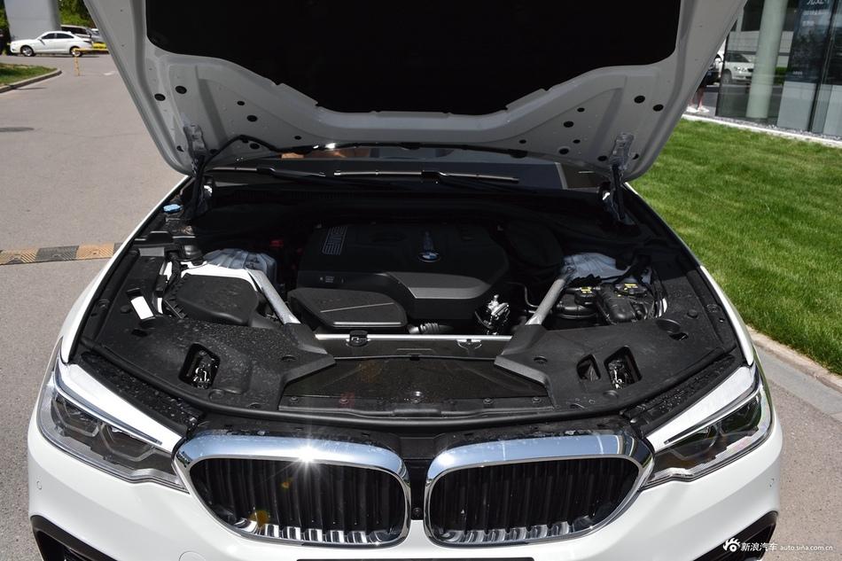 2019款宝马5系改款2.0T自动530Li领先型M运动套装