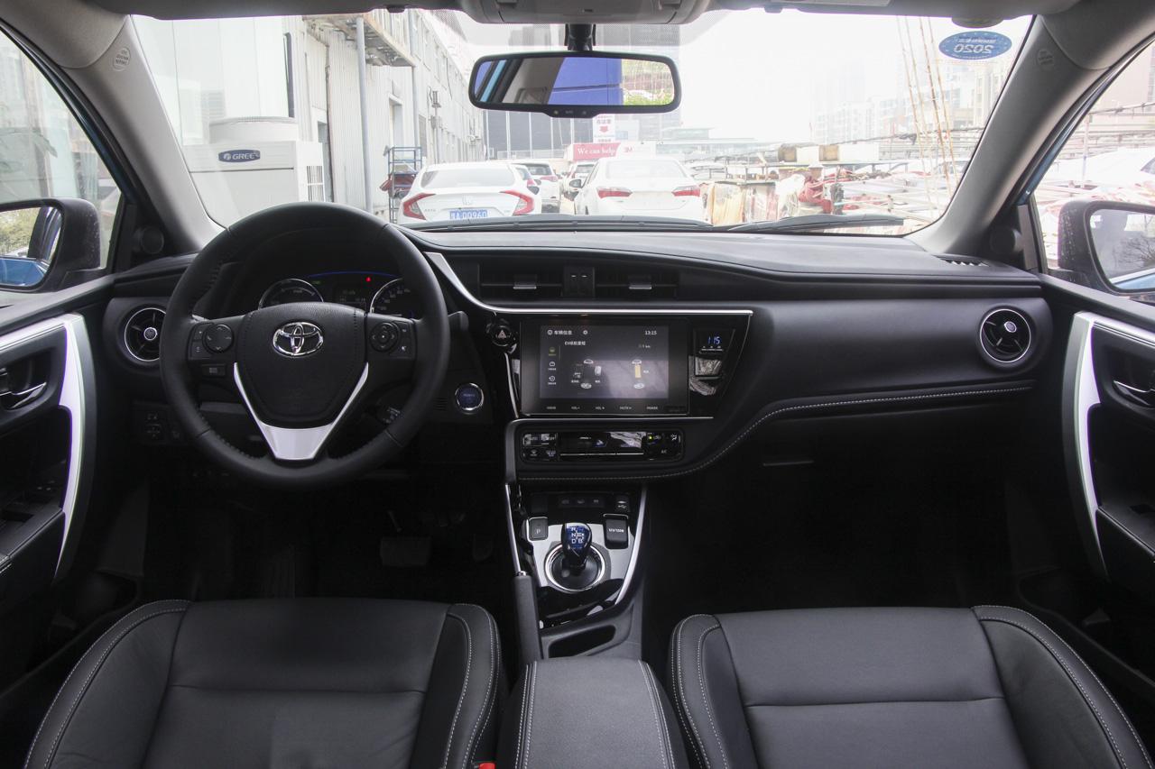 2019款卡罗拉双擎E+1.8L自动旗舰版