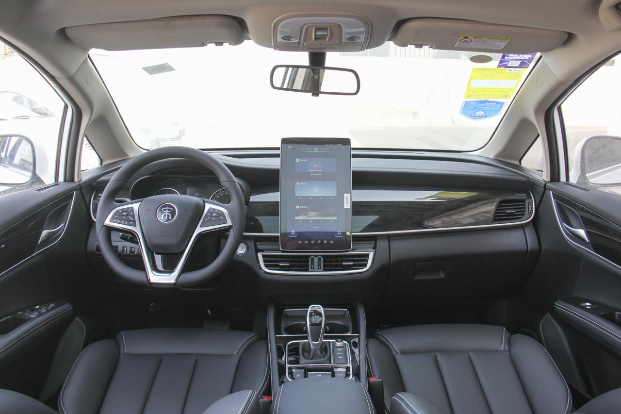 2019款比亚迪宋MAX 1.5T自动智联睿进型6座国V