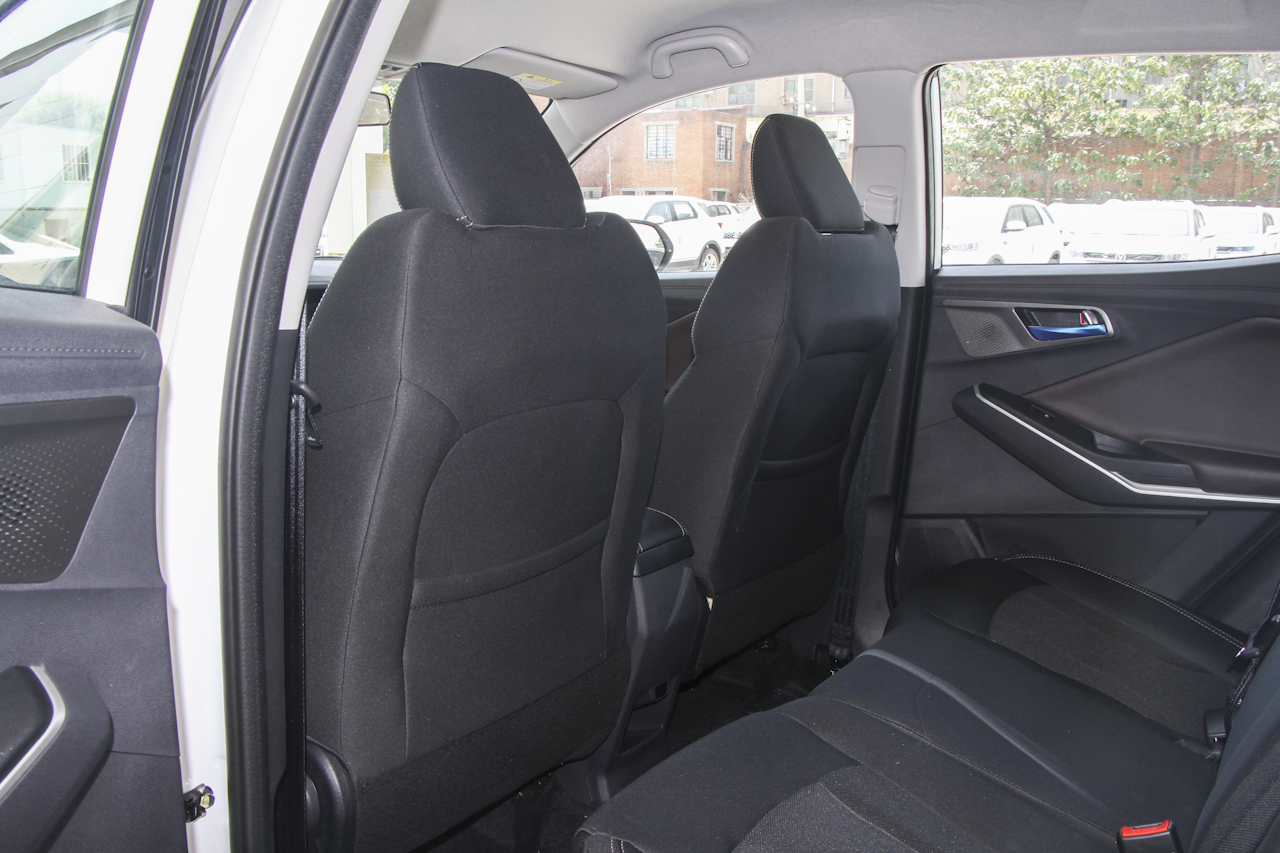 2019款长安CS15 1.5L自动舒适型国V