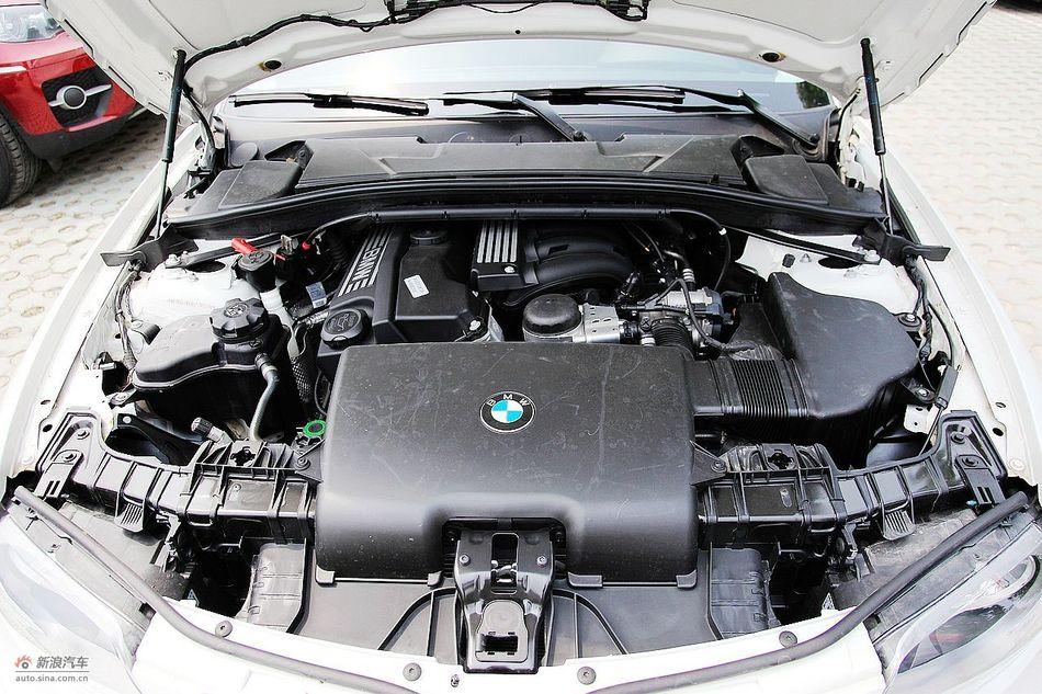 宝马120i自动引擎图片