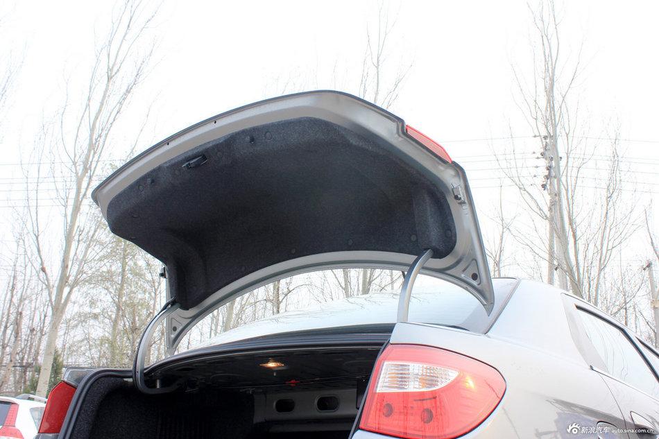 2012款风神S30实拍