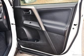 2015款RAV4 2.0L CVT四驱新锐版