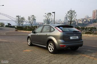 2011款福克斯两厢2.0自动运动型外观