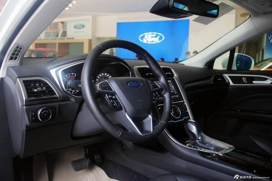 2013款蒙迪欧 2.0L GTDi240 旗舰版