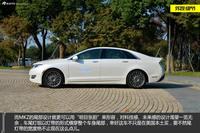 新浪汽车评测试驾2014款林肯MKZ