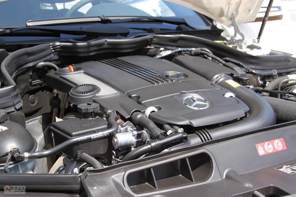 奔驰C200CGI旅行版发动机
