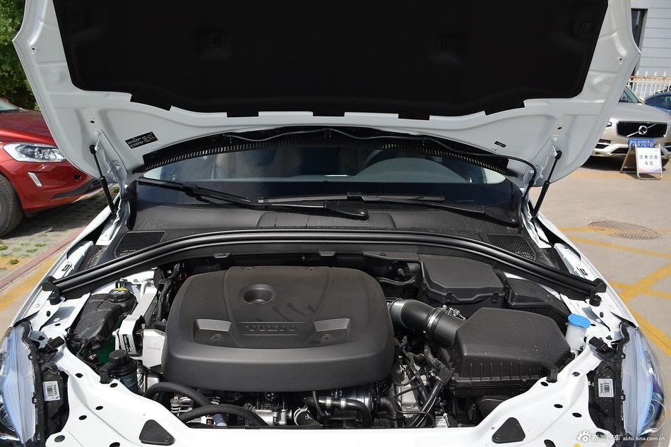 2017款沃尔沃XC60 2.0T自动T5 AWD智驭版