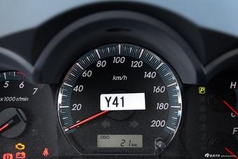 2015款Fortuner 2.7L自动标准版