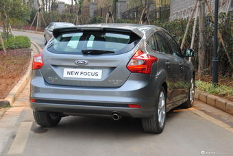 2012款福克斯两厢外观及细节