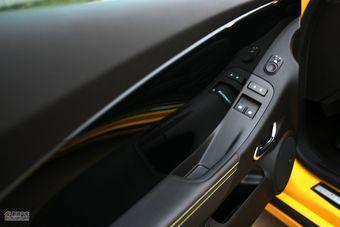 2012款雪佛兰科迈罗3.6L变形金刚限量版官方实拍图