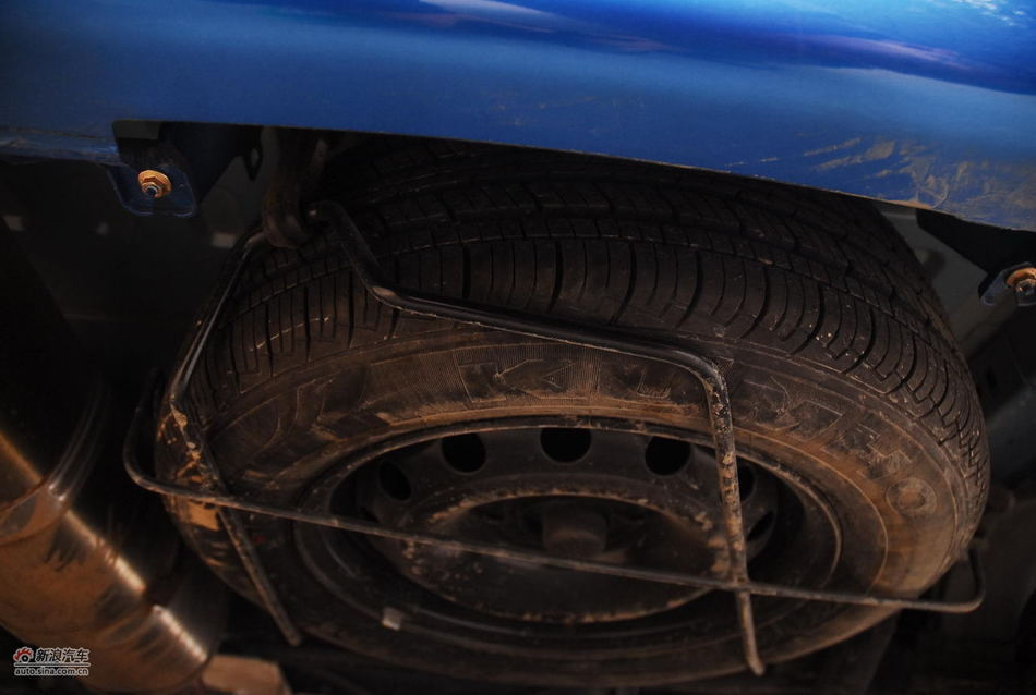 2012款雪铁龙C2 1.6升自动挡底盘悬挂