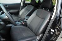 2011款骐达GTS座椅及储物空间