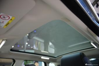 2014年第12届广州国际车展 图为:2015款揽胜极光