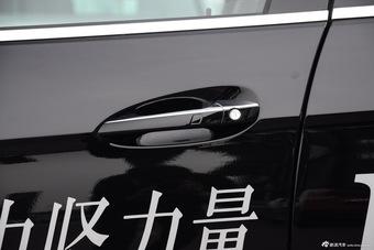 2015款奔驰E400L 3.0T自动豪华型 4MATIC运动轿车