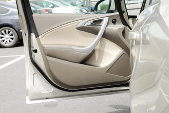 2012款英朗GT